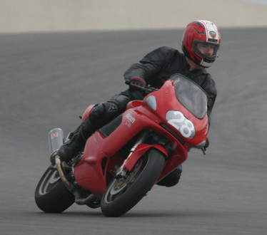 On the Racetrack mit Ducati ST4s